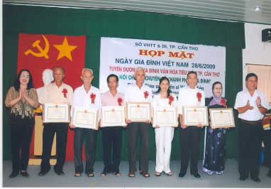 Họp mặt Ngày Gia đình Việt Nam