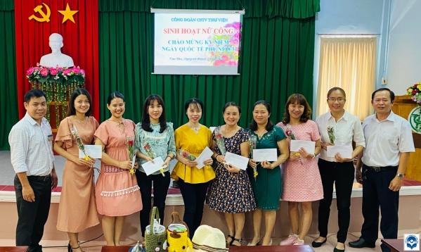 Họp mặt kỷ niệm Ngày Quốc tế Phụ nữ 8 tháng 3 tại Thư viện TP. Cần Thơ